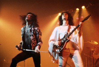 Freddie Mercury Brian May 1974